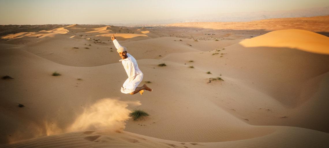 Pustynia piachem się toczy