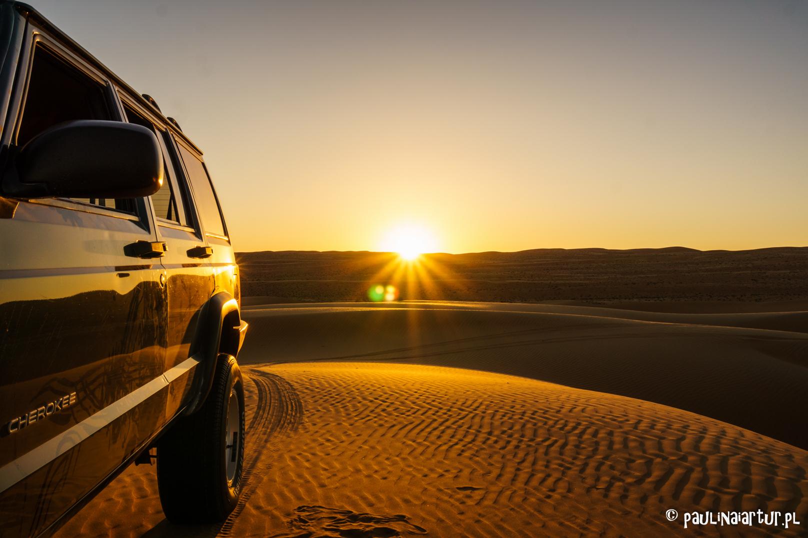 Zachód słońca w Bidiyah